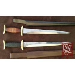 Dague à Quillion court XII et XIIIème en acier forgé avec fourreau en cuir