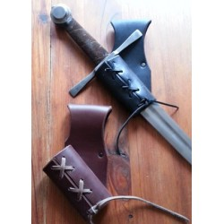 Porte epée ou dague en cuir ajustable